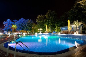 Seattle pool lighting outdoor lighting pool lighting in seattle aloadofball Image collections